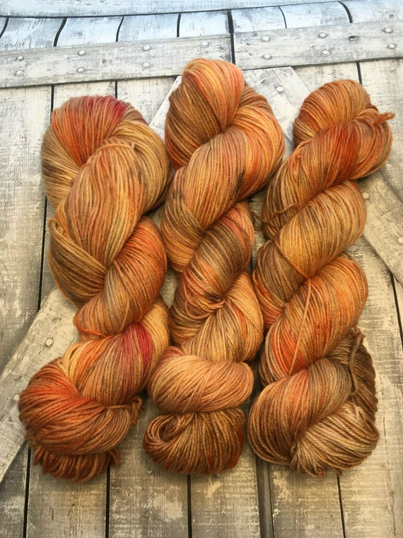 Hand Dyed Yarn,Robin Red Breast,Fingering Weight,2 ply,80/10/10 Superwash Merino/Nylon/Cashmere mix,100 grams,indie dyed yarn,knit & crochet