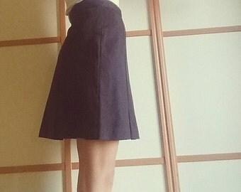 90's Benetton Skirt// short// wool