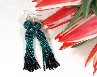 Black fringe earring Oscar de la renta earring Emerald tassel earring Long dangle earring Emerald fringe earring Seed bead earring jewelry