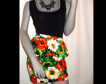 Forever Retro Multi-Color Floral Peplum Fitted Above Knee Length Skirt M