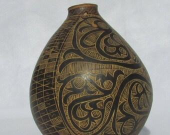 Vintage vessel/seed jar/interesting piece