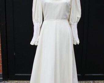 Vintage long sleeved wedding dress, 1970s Ellis of London wedding gown, turtleneck collar, vintage bridal wear, cream wedding dress