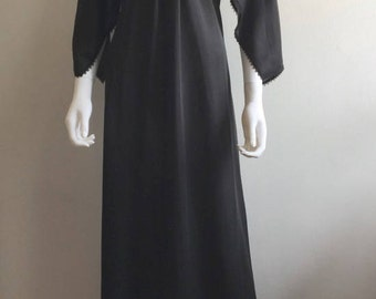1970s Dress / Black / Statement Sleeves / Maxi / M