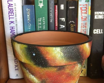 Red Giant Galaxy Pot