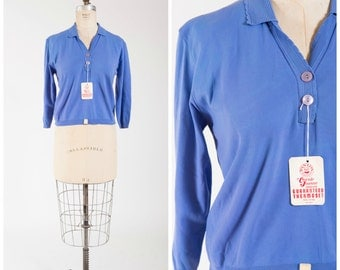 Vintage 1950s Sweater • Happy to Gather • Periwinkle Nylon Knit Late 50s Pullover Sweater Size Large