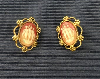 Beautiful Old Three Graces Cameo Clip-On Earrings