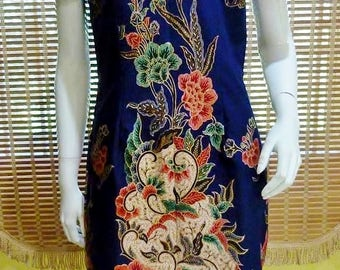Batik Printed Cheongsam / Qi Pao Elegant Deep Colored Traditional Chinese Dresses