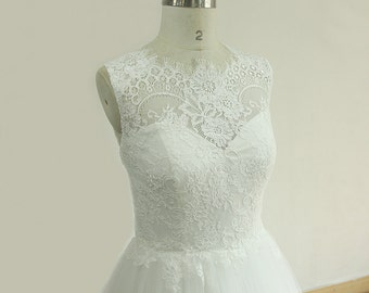 Romantic Ivory A Line Tulle lace wedding dress with scallop eyelash neckline