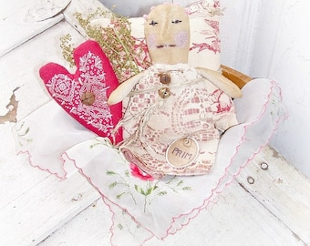 Doll Pillow Heart Ornie Hanger Bowl Filler Tuck Folk Art Wood Bowl Decor Centerpiece Country Home Decor Valentine's Vintage Handkerchief
