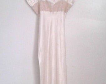 Vintage 1940's Textron Cream Bias Cut Satin Gown Nightgown Lace Trim Old Hollywood Boudoir