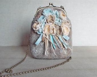 Wool felted purse bag, Wool felt hand bag, Clutch Bag, Violets