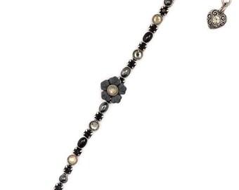 Handmade Single Strand Black Flower Bracelet