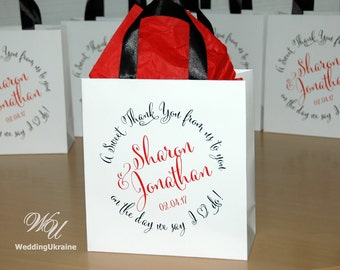 40 A sweet Thank You gift Bags for guests with Black satin ribbon and Red names - Personalized Wedding welcome bags for your wedding favors