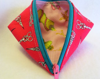 Wonder Clip Bag - Cosmetic Bag - Sweet Pea Pod - Gift Bag - Coin Purse - Zipper Pouch - Mini Storage Pouch - Fabric Pouch - Sewing Pouch
