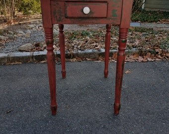 Hand Painted Antique Primitive Rustic Small Table / End Table / Side Table - LOCAL PICKUP/DELIVERY Only