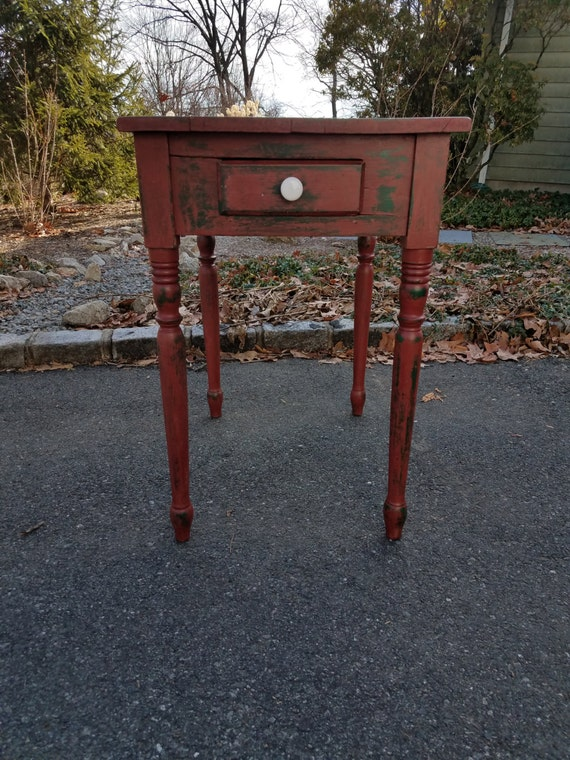 Hand Painted Primitive Rustic Small Table / End Table / Side Table - LOCAL PICKUP/DELIVERY Only