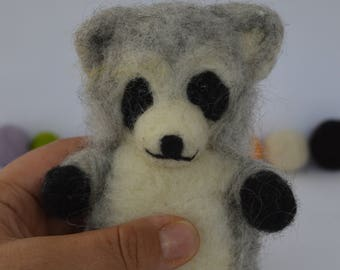 Needlefelt raccoon , felted racoon, racoon, needlefelt, needle felting, handmade, felted sculpture racoon