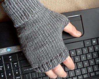 Mens Fingerless Gloves Gray Handmade Gray Fingerless gloves for men women Texting Men Gloves Knitted Fingerless Gloves Men