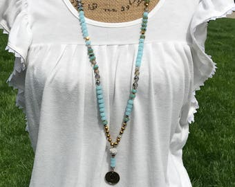 Lucky Horseshoe pendant necklace - blues and gold, beachy boho inspired knotted necklace