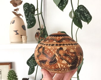 Small Carved Gourd Box with Lid | Boho Decor | Boho Shelf Decor | Carved Gourd Art Basket | Pyrography Art | Brown Beige Black