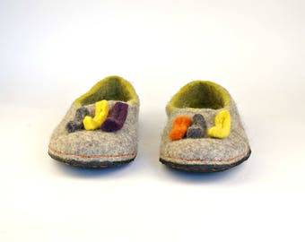 Shoe slippers from natural wool with soles, Women grey green slippers, Organic wool slippers, Very comfortable house slippers