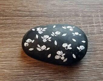 Rose Pattern, Stone Rock Painting