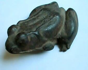 Authentic 19th century solid cast iron frog doorstop. Qriginal 1800s antique RARE