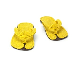Comfortable Slippers - flip flops handmade of 100 % wool felt, very easy to travel with, yellow and dark brown - Hotel slippers