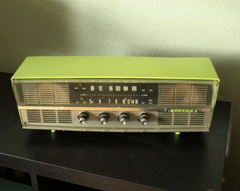 Vintage 60's Lloyd's Tube Radio. Its Green! It Works! Its Calling your name!