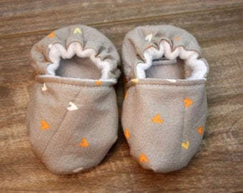 Baby Booties, Baby Crib Shoes, Soft Sole Baby Shoes, Mini Heart Baby Booties, Baby Girl Shoes, Grey Baby Shoes, Fabric Baby Shoes