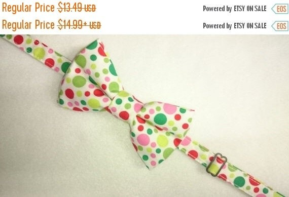 Winter Sale Sale CLEARANCE   Adult's  Pretied Bow Tie in Colorful Dots