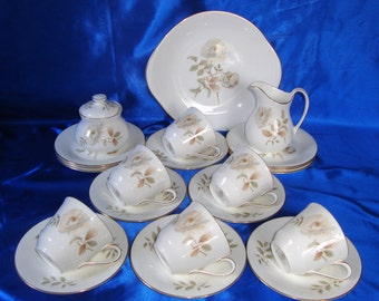 Royal Doulton YORKSHIRE ROSE Tea Set