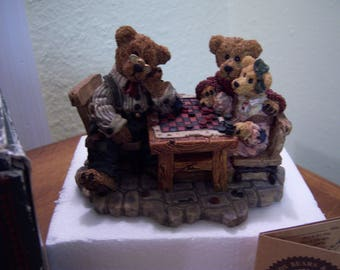 Boyd's bears, bearstone collection,retired,Grenville w/Matthew & Bailey,Sunday afternoon,resin,bear collectors,checkers,home decor