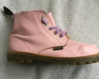 Small girls powder pink Doc Marten boots - UK size 12 - in good vintage condition - made in England