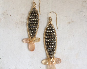 Goldfilled earrings made with pyrite and imperial topaz. 6 cm