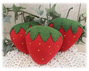 Wool Felt Strawberries Bowl Fillers Cupboard Tucks 3-Set Country Farmhouse