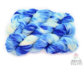 Summer Sky, hand dyed, worsted weight yarn, 220 yards
