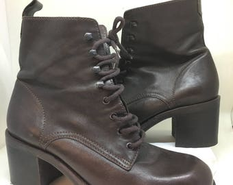 Vtg Nine West 6.5 M High Ankle lace up Brown Leather boots