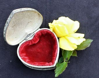Heart Shaped Trinket / Jewellery Box - White Metal with Soft Velvety Lining
