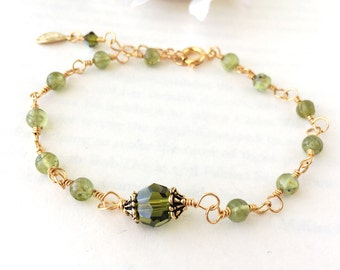 Green Peridot and Crystal Focal Bracelet, Small Gemstone Link Bracelet, August Birthstone