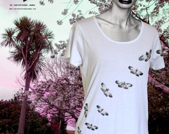 Hand painted t-shirt SIZE: Medium moth tee