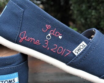 TOMS shoes, bride shoes, bridal shoes, embroidered wedding toms, wedding toms, something blue,