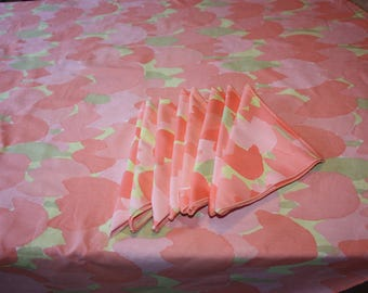 Pink Tulip Cotton Round Vintage Vera Tablecloth and 8 Napkins