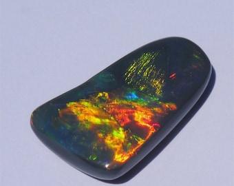 Solid Black Opal from Lightning Ridge, Australia BF156