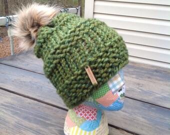Winter pompom bean hat green