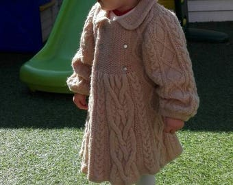 Knitting pattern cable jacket for little princeses from 12 to 24 months