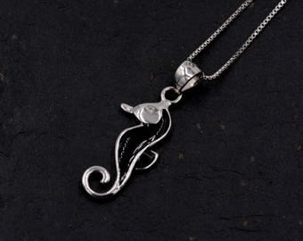 Sterling Silver Little Seahorse Sea Horse Pendant Necklace with Enamel and Crystal Y68
