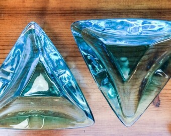 Vintage 1960's MCM Matching Atomic Turquoise Blue Clear Glass Triangle Ashtrays
