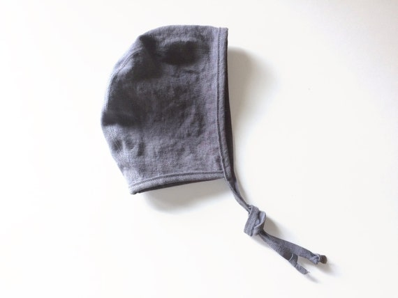 Linen brimless bonnet