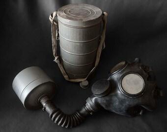 Belgian WW2 gas mask Englebert E2